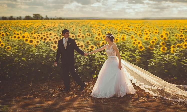 【コロナ禍の影響もあり?】2人だけの結婚式が増えている