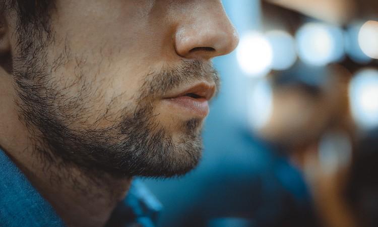 女性が思わず「下品だな」と感じてしまう中年男性の特徴5選